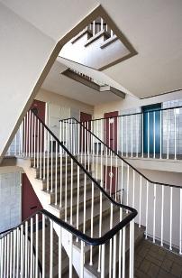 Flats appartementen schoonmaken schoonmaak flats amsterdam en amstelveen schoonmaak - Vervoeren van een trappenhuis ...